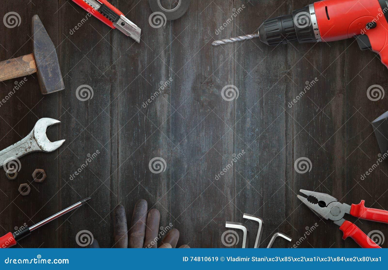 Εργαλεία Handyman για τις εγχώριες επισκευές τοπ άποψη και ελεύθερου χώρου για το κείμενο