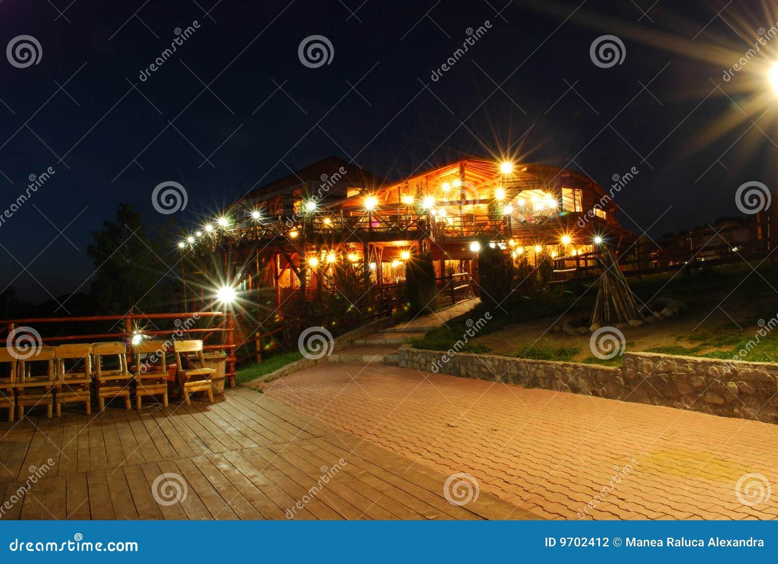 εστιατόριο νύχτας