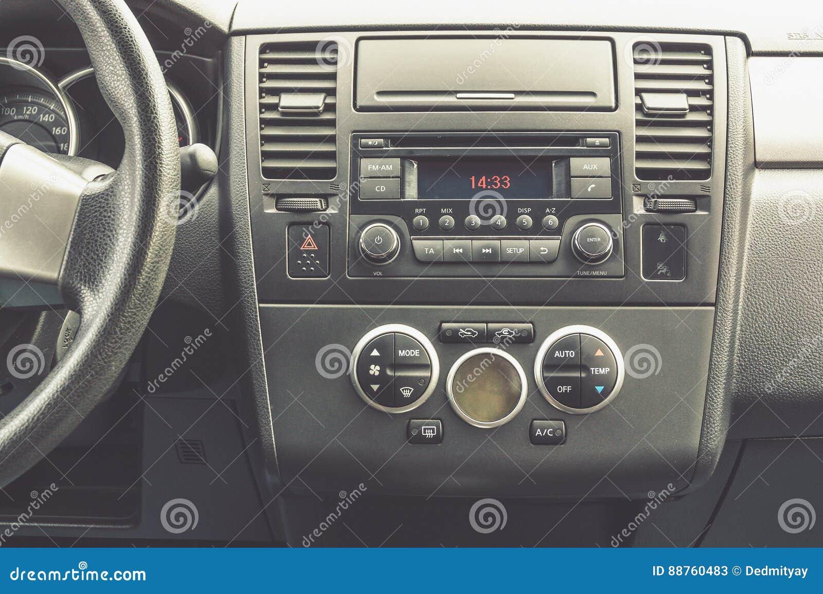 Εσωτερική άποψη του οχήματος Σύγχρονος στενός επάνω ταμπλό αυτοκινήτων τεχνολογίας κλίμα