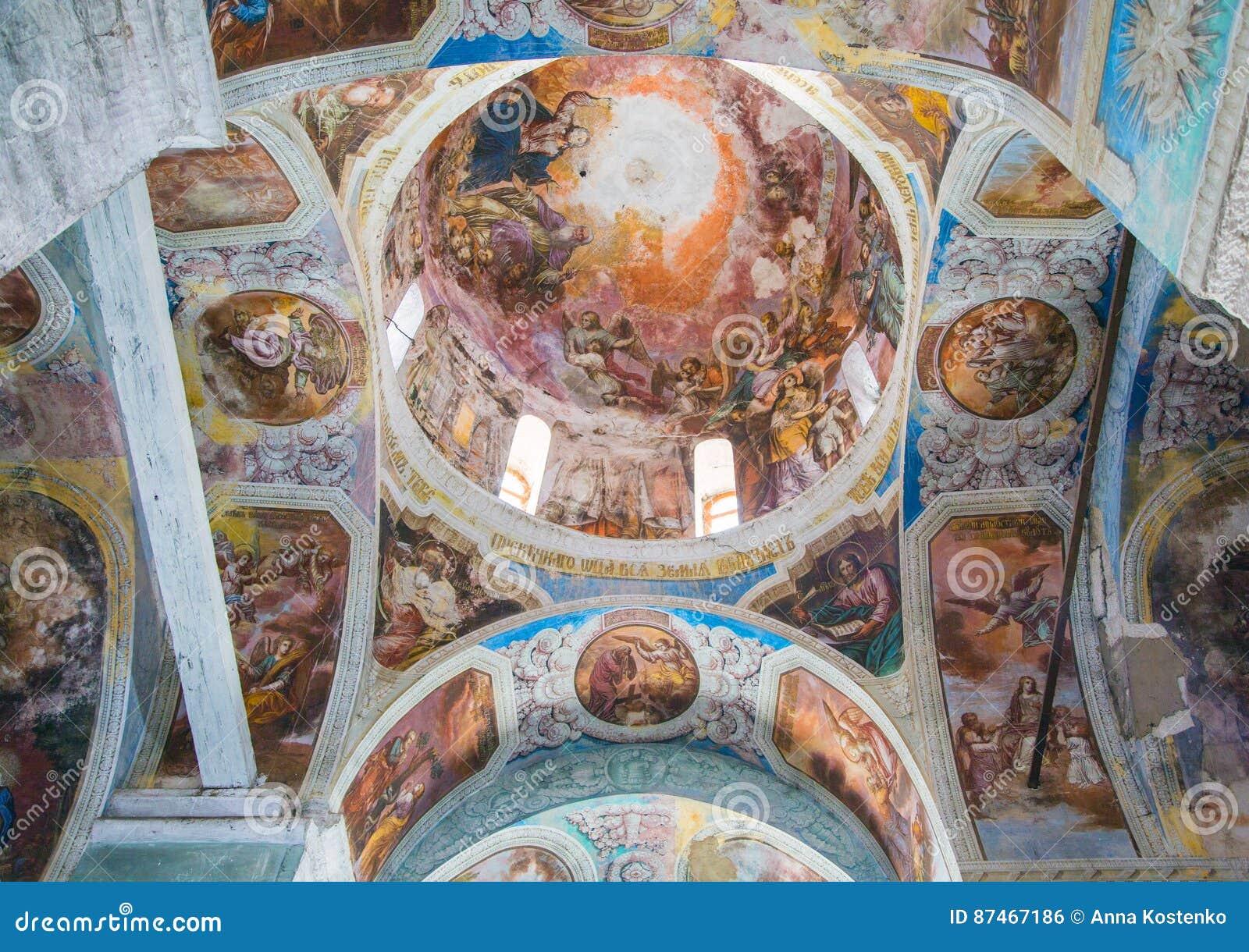 Εσωτερική ζωγραφική της εκκλησίας του ST George ` s σε yuryev-Polsky