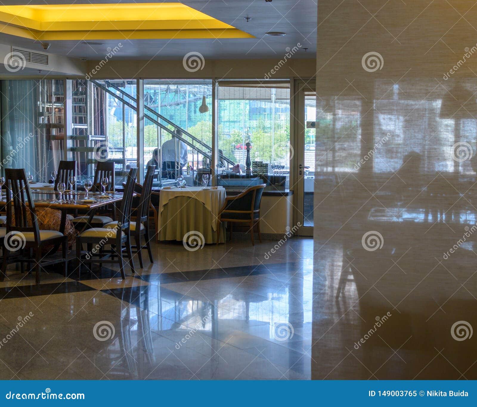 Εσωτερικός πυροβολισμός εστιατορίων