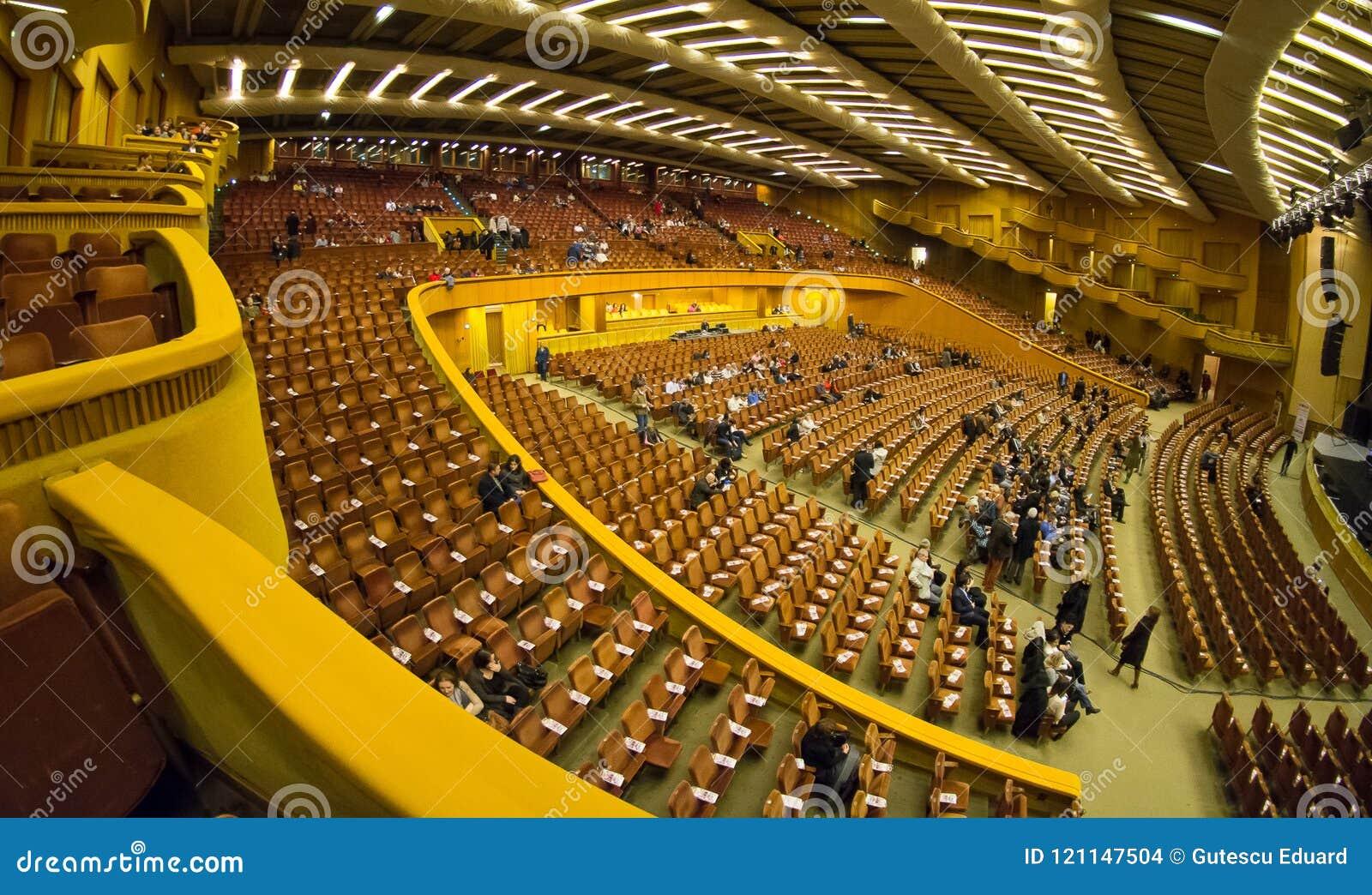 Εσωτερικό αιθουσών συναυλιών του Βουκουρεστι'ου Sala Palatului Στοκ Εικόνες - εικόνα από λεπτομέρεια, πόλη: 121147504