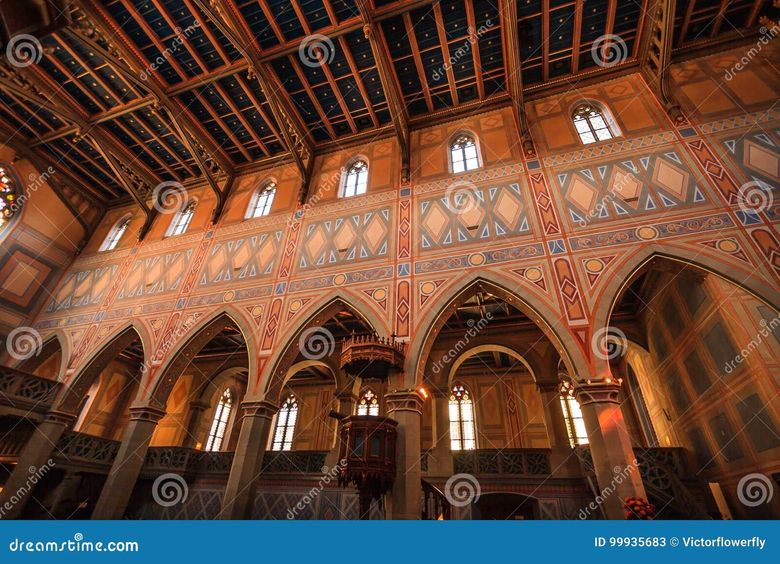 Εσωτερικό της προτεσταντικής νεογοτθικής εκκλησίας του ST Laurence ή του ST Laurenzen Kirche, ST Gallen, Ελβετία