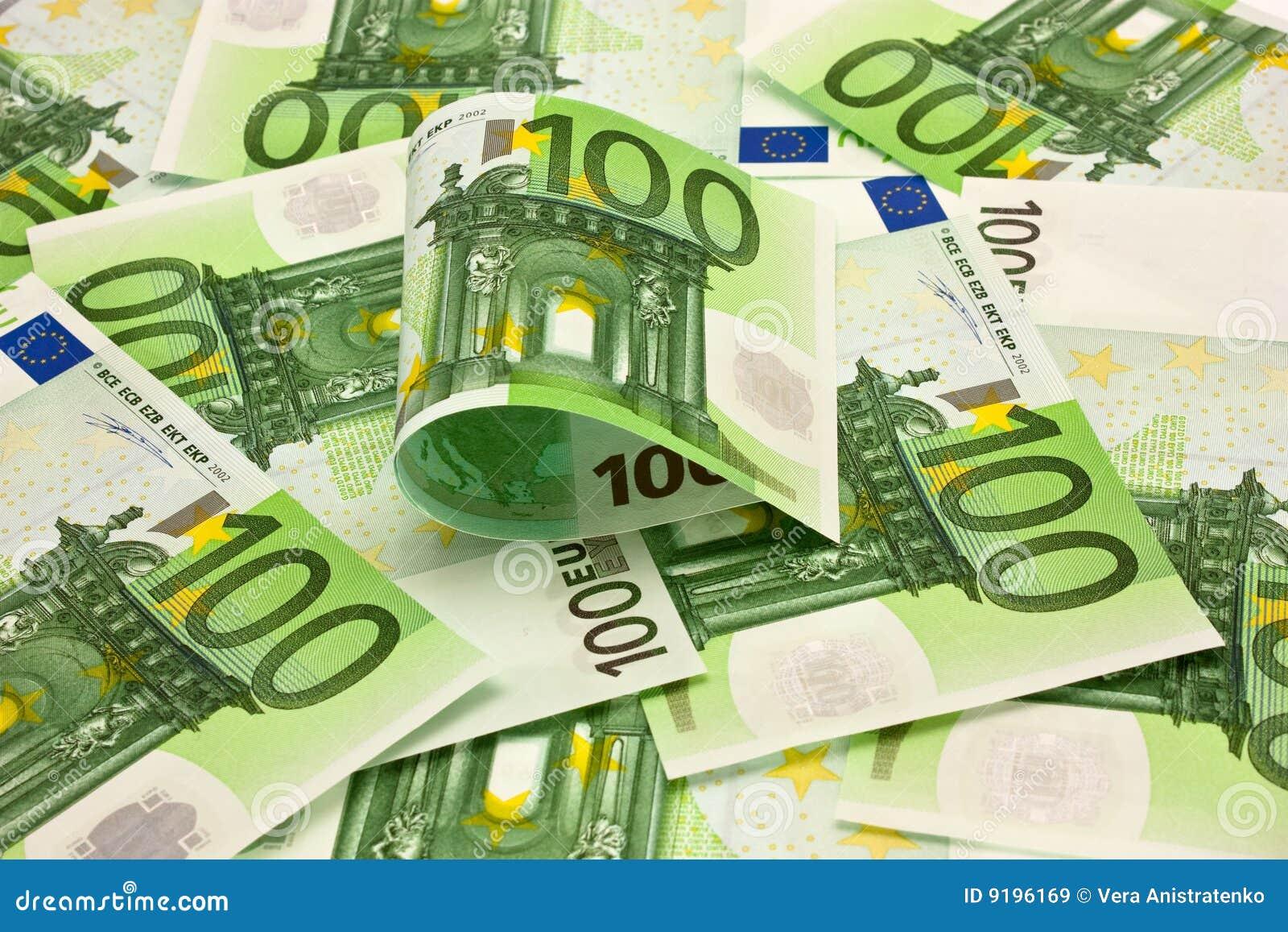 ευρο- σωρός χρημάτων 100