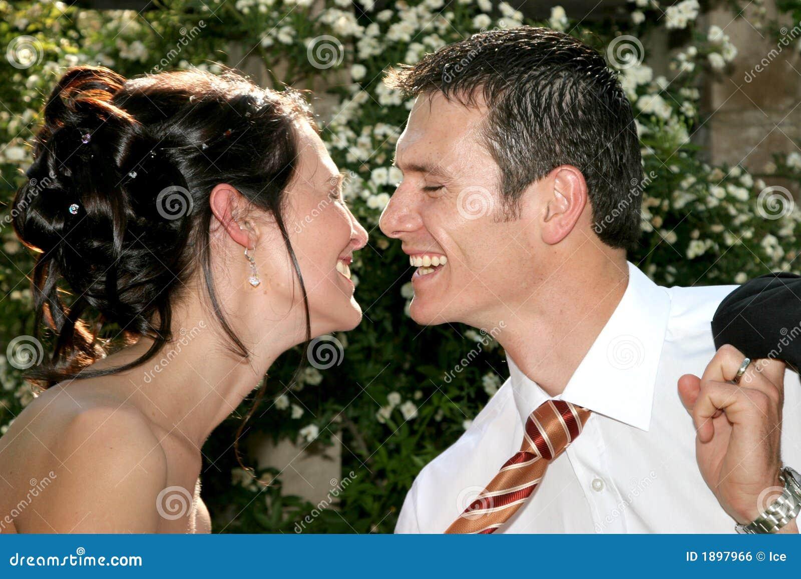 ευτυχές φιλί