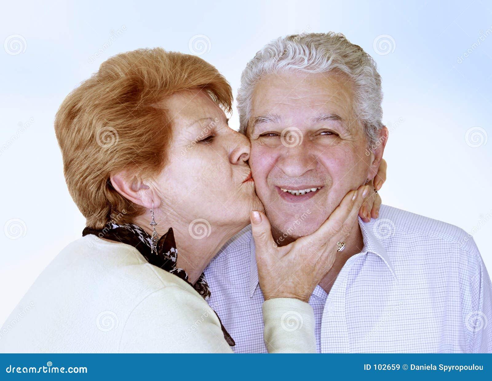 Download ευτυχής ώριμος ζευγών στοκ εικόνα. εικόνα από άτομα, παντρεμένος - 102659