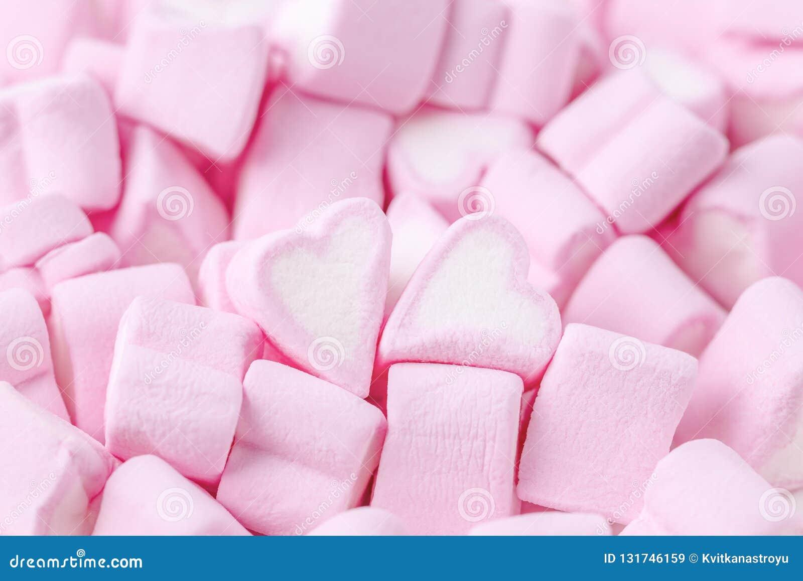 ευτυχείς βαλεντίνοι ημέρ γυναίκα θέματος σκιαγραφιών ανδρών αγάπης Ρόδινες γλυκές marshmallow καρδιές Ανασκόπηση ημέρας βαλεντ