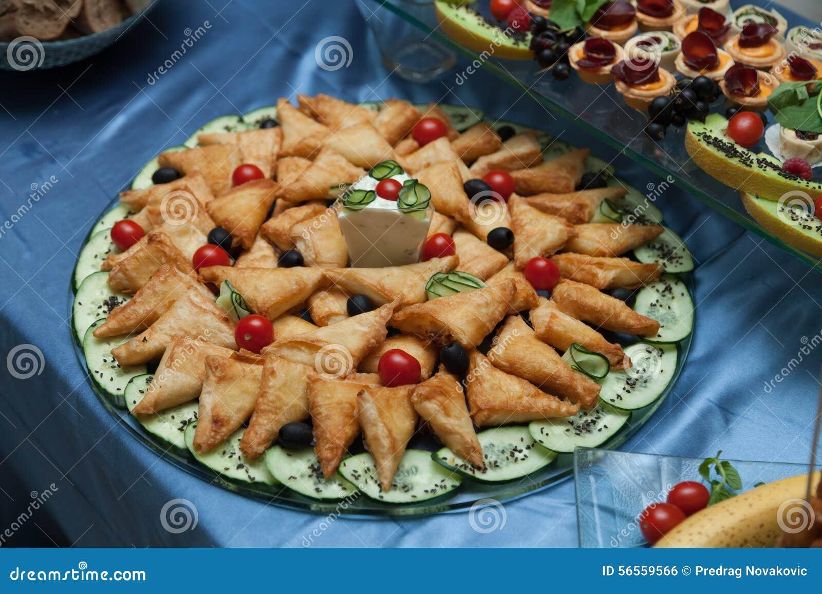 Download εύγευστα τρόφιμα στοκ εικόνες. εικόνα από κρέμα, foreground - 56559566