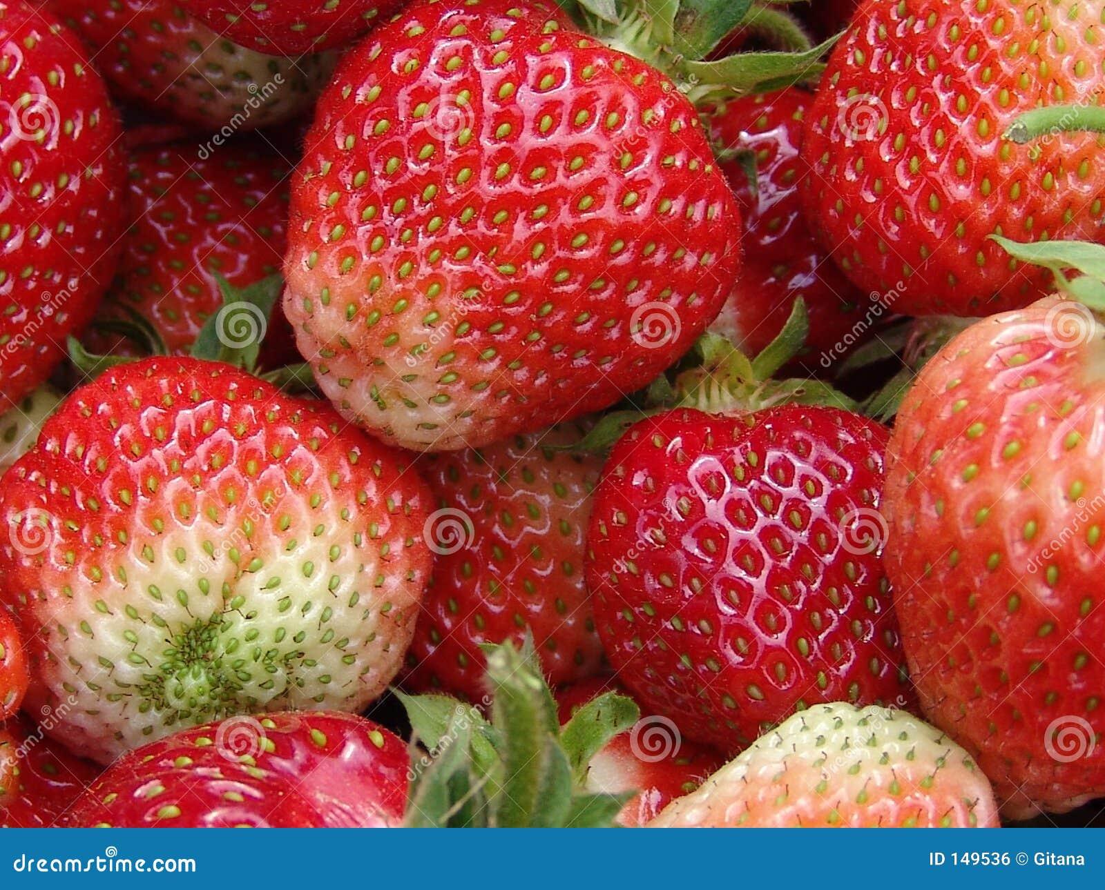 εύγευστες φράουλες