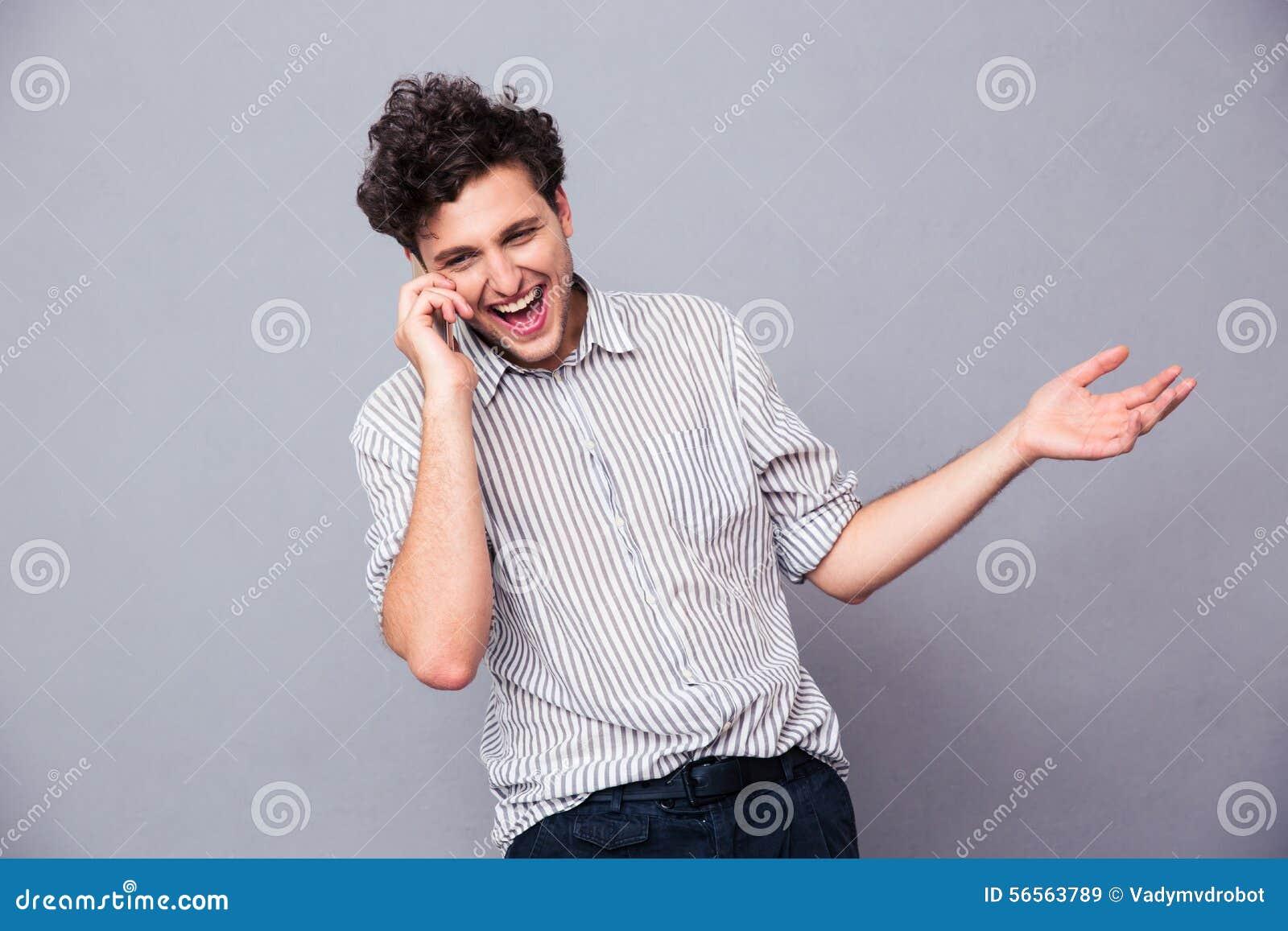 Download Εύθυμο άτομο που μιλά στο τηλέφωνο Στοκ Εικόνα - εικόνα από κλήση, γέλιο: 56563789