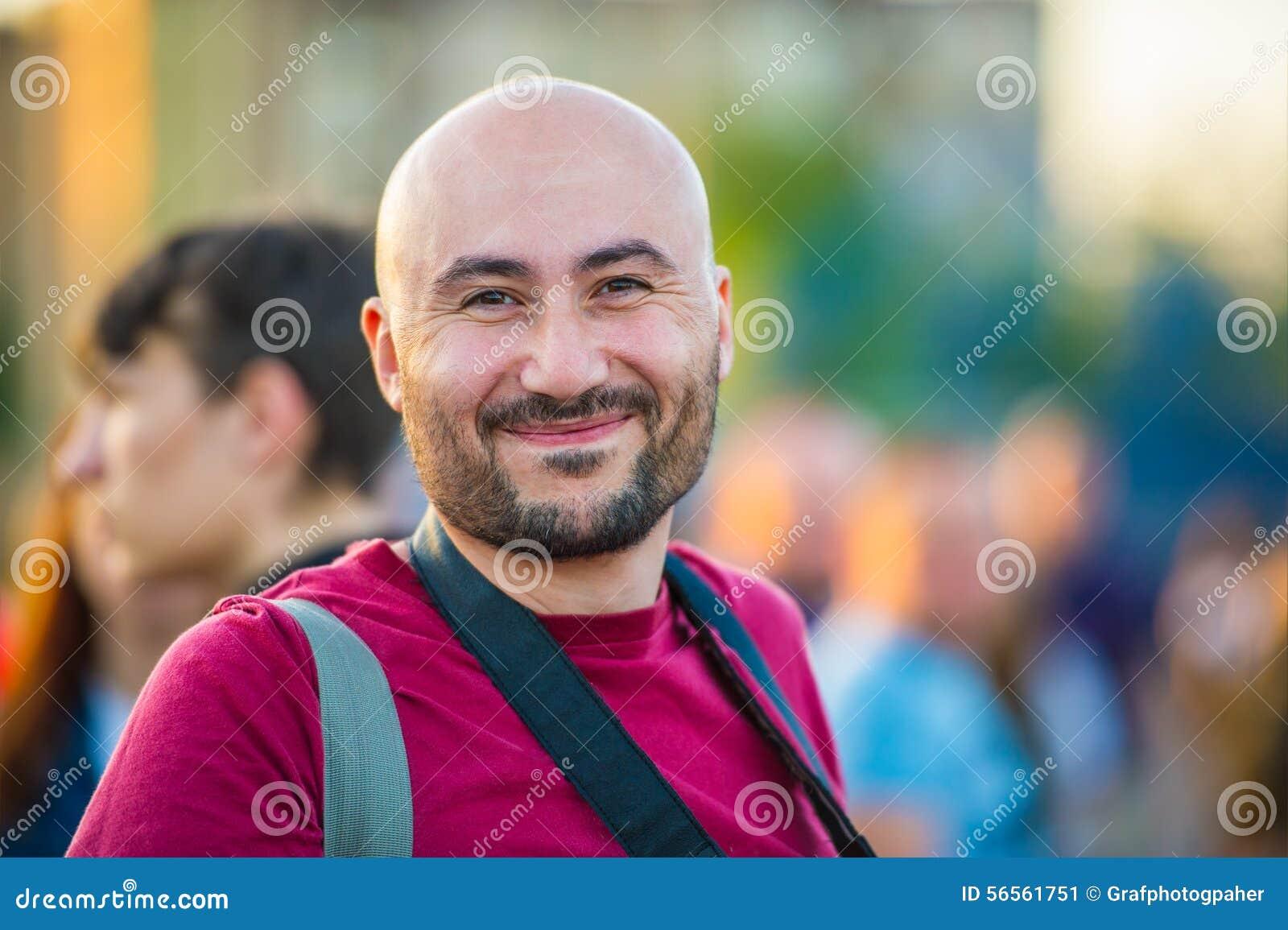Download Εύθυμο άτομο στοκ εικόνα. εικόνα από μέσος, ένας, ανασκόπησης - 56561751