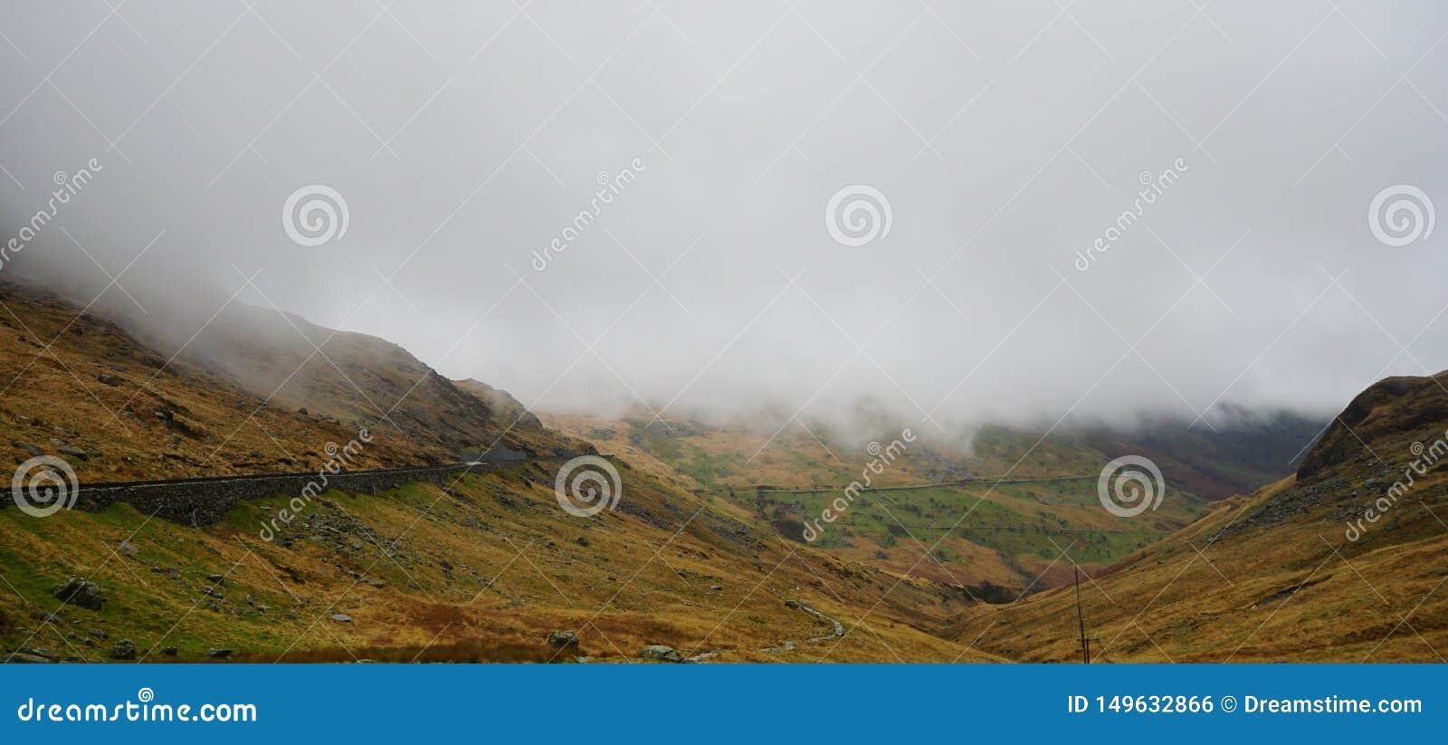 Ζαλίζοντας βουνό σε Snowdon, Ουαλία, Ηνωμένο Βασίλειο