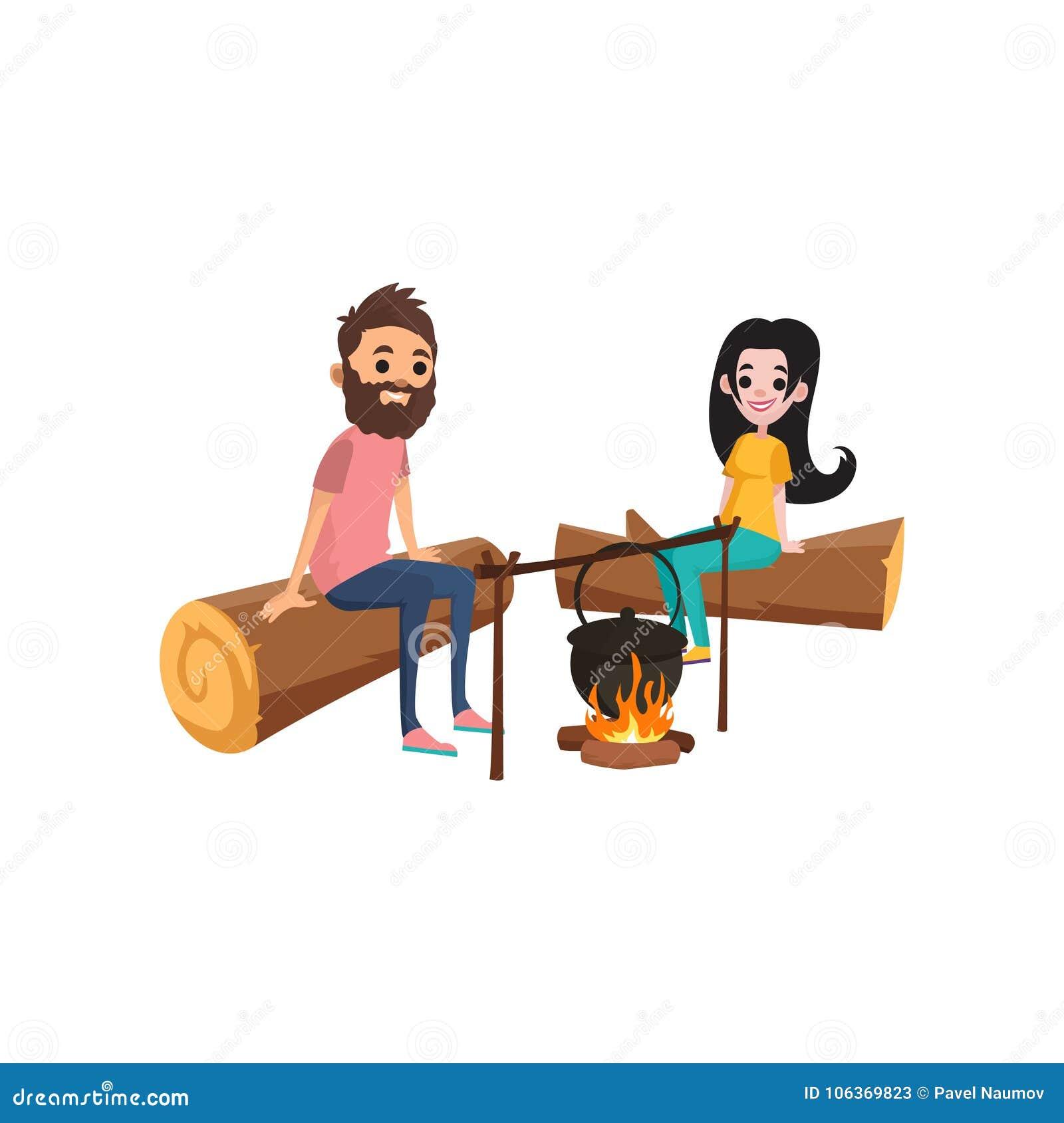 Ζεύγος στη συνεδρίαση πικ-νίκ στα κούτσουρα κοντά στην πυρά προσκόπων Νέοι γενειοφόροι χαρακτήρες ανδρών και γυναικών brunette πο