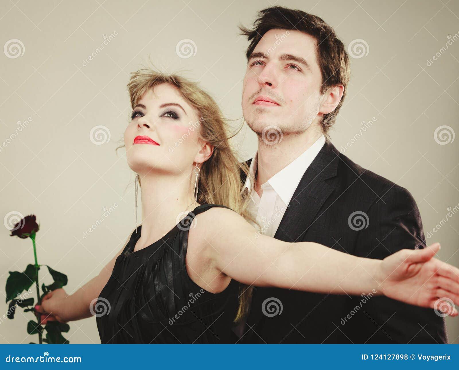 Dating στο κατώφλι σου διπλή ημερομηνία dating ιστοσελίδα UK