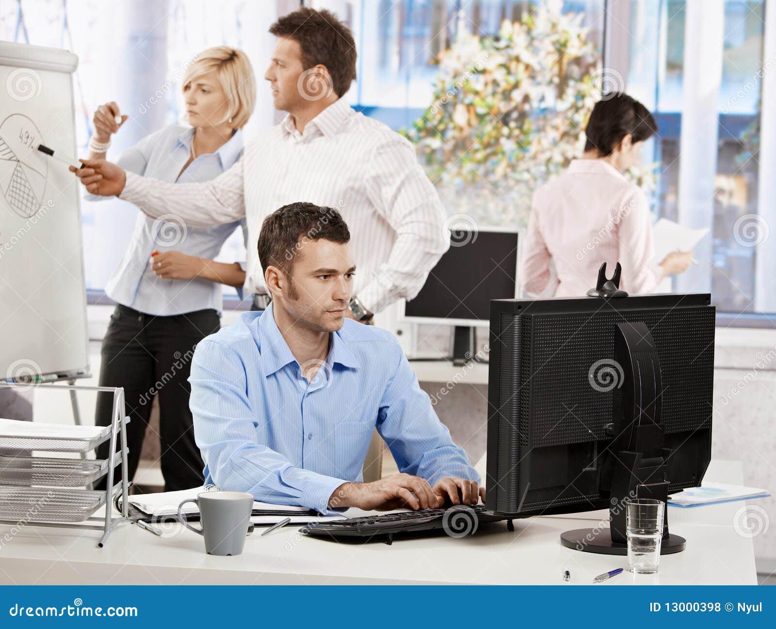Ζωή γραφείων - εργασία επιχειρηματιών