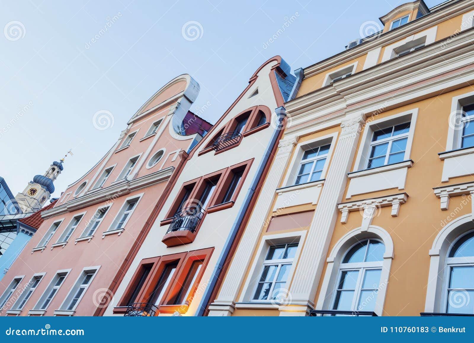 Ζωηρόχρωμη αρχιτεκτονική της παλαιάς πόλης της Ρήγας