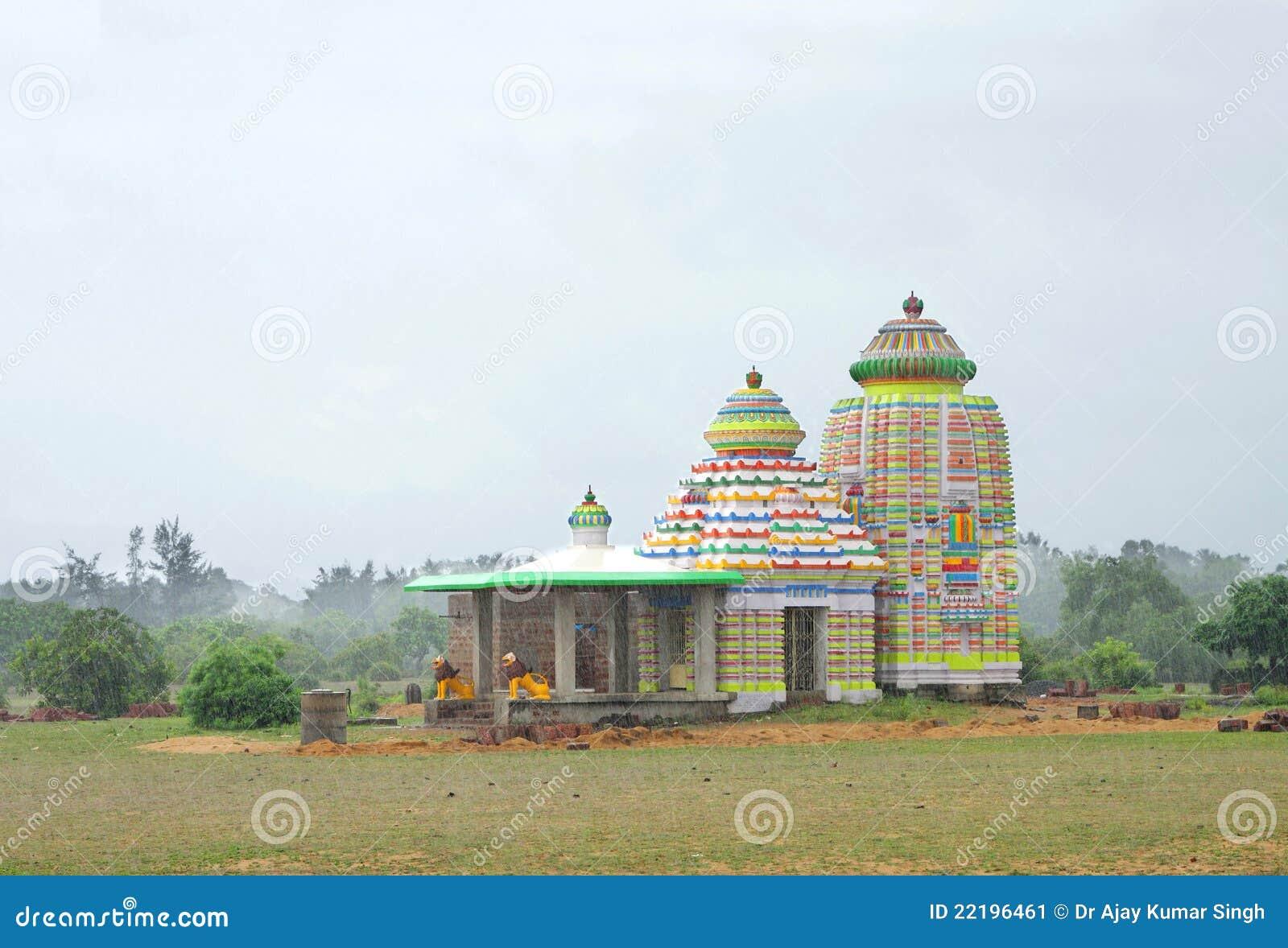 ζωηρόχρωμος ναός βροχοπτώ&s