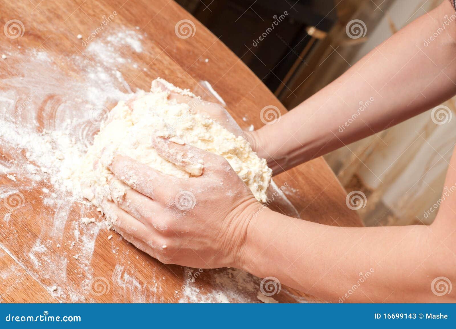 ζύμη ψωμιού που προετοιμά&zeta