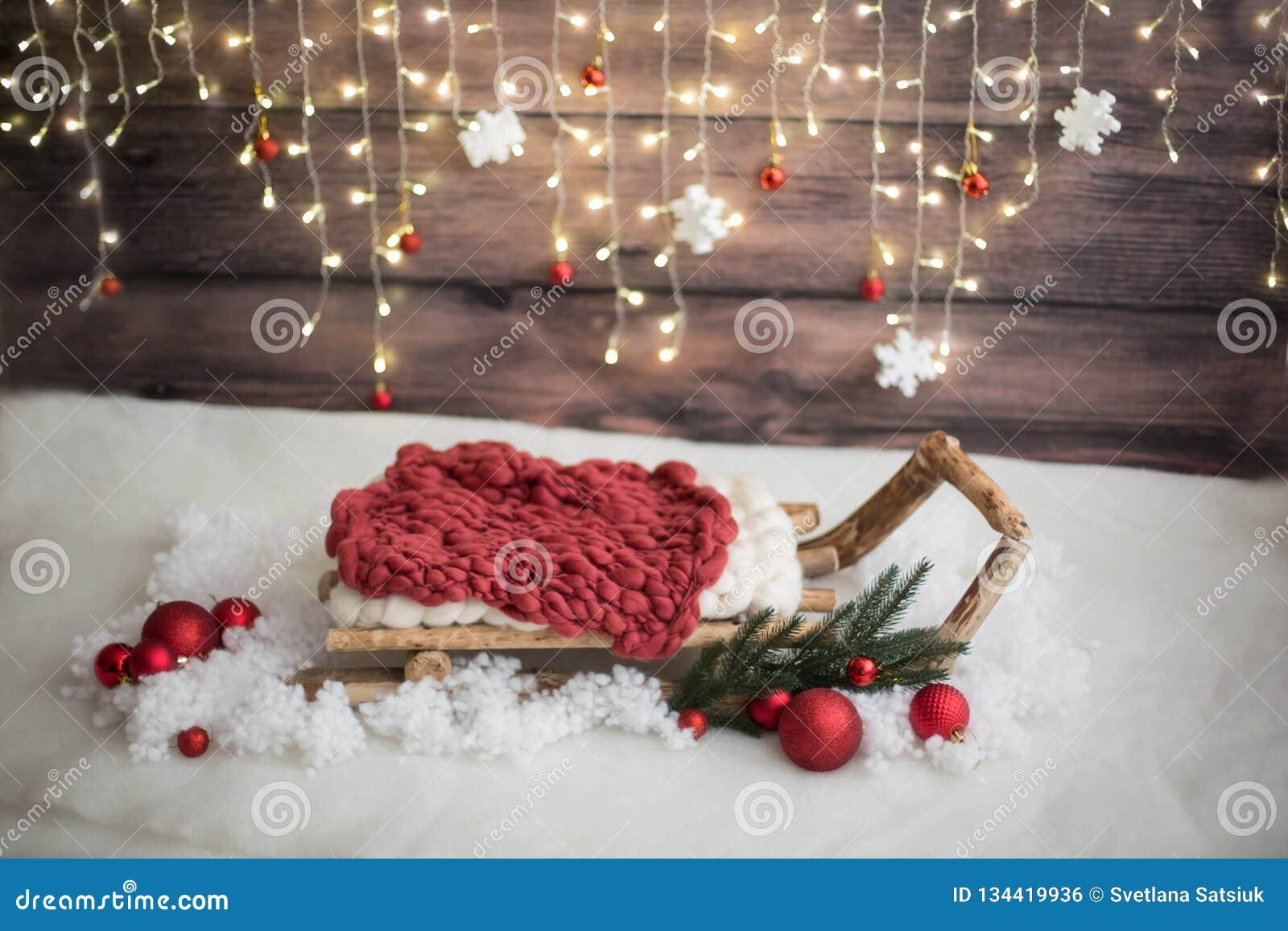 Ζώνη φωτογραφιών Χριστουγέννων λευκό απομόνωσης ντεκόρ Χριστουγέννων τεχνητό χιόνι