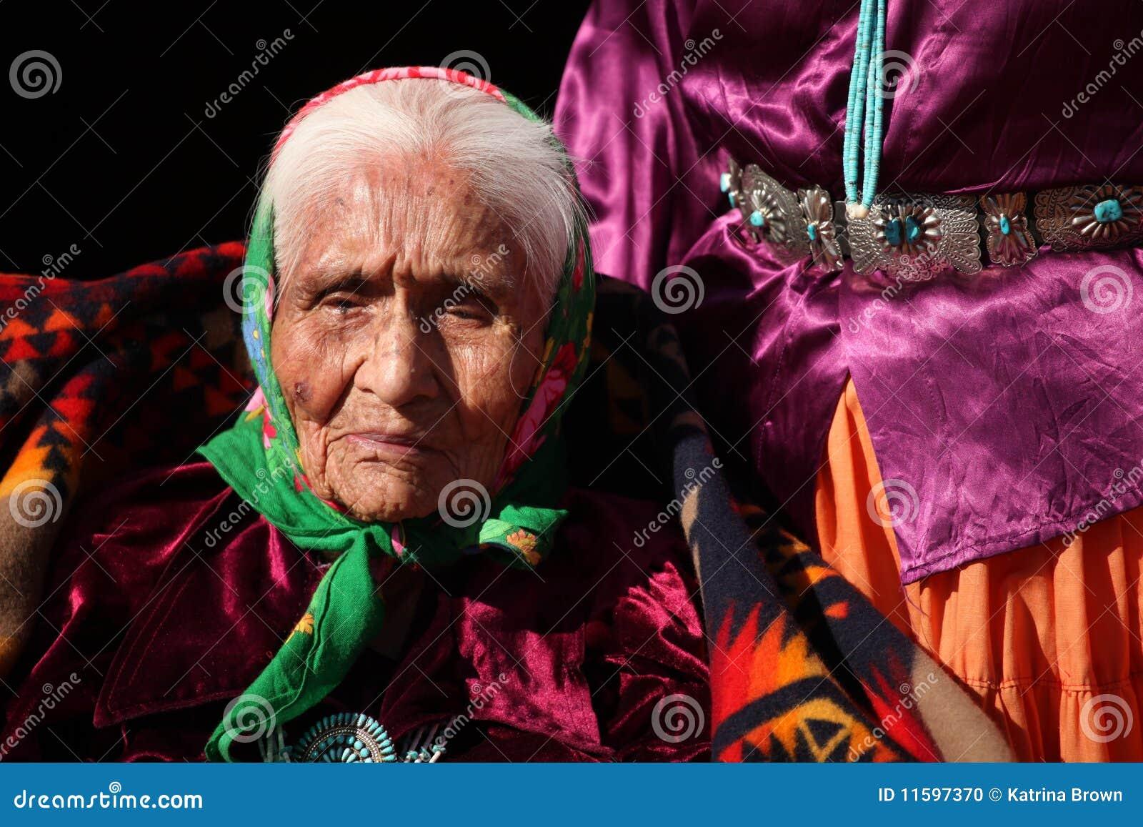 ηλικιωμένος εγγενής Ναβά