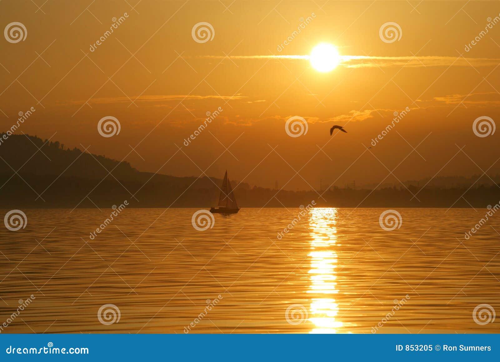 ηλιοβασίλεμα ναυσιπλ&omicro