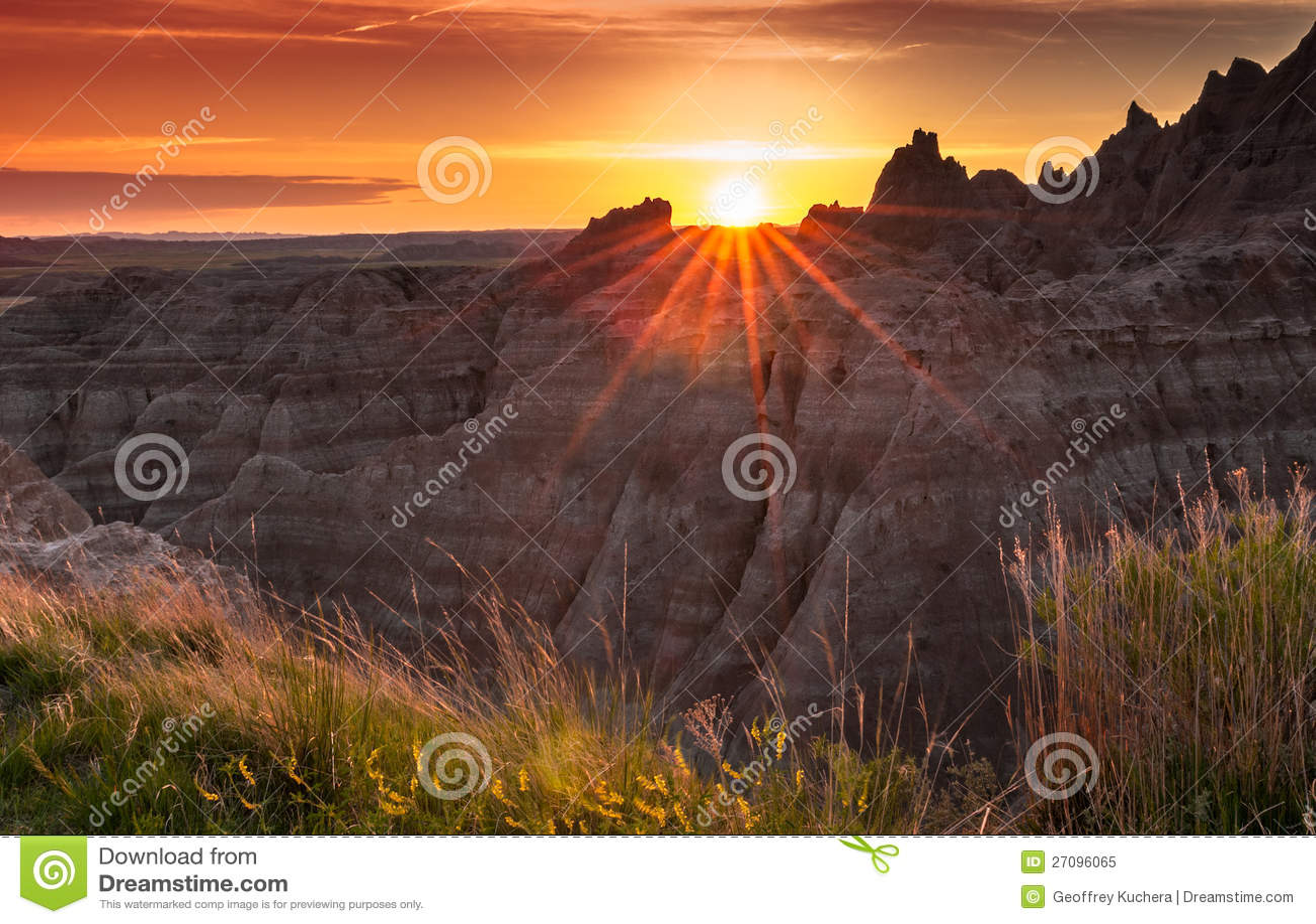 Ηλιοβασίλεμα πέρα από το Badlands της νότιας Ντακότας