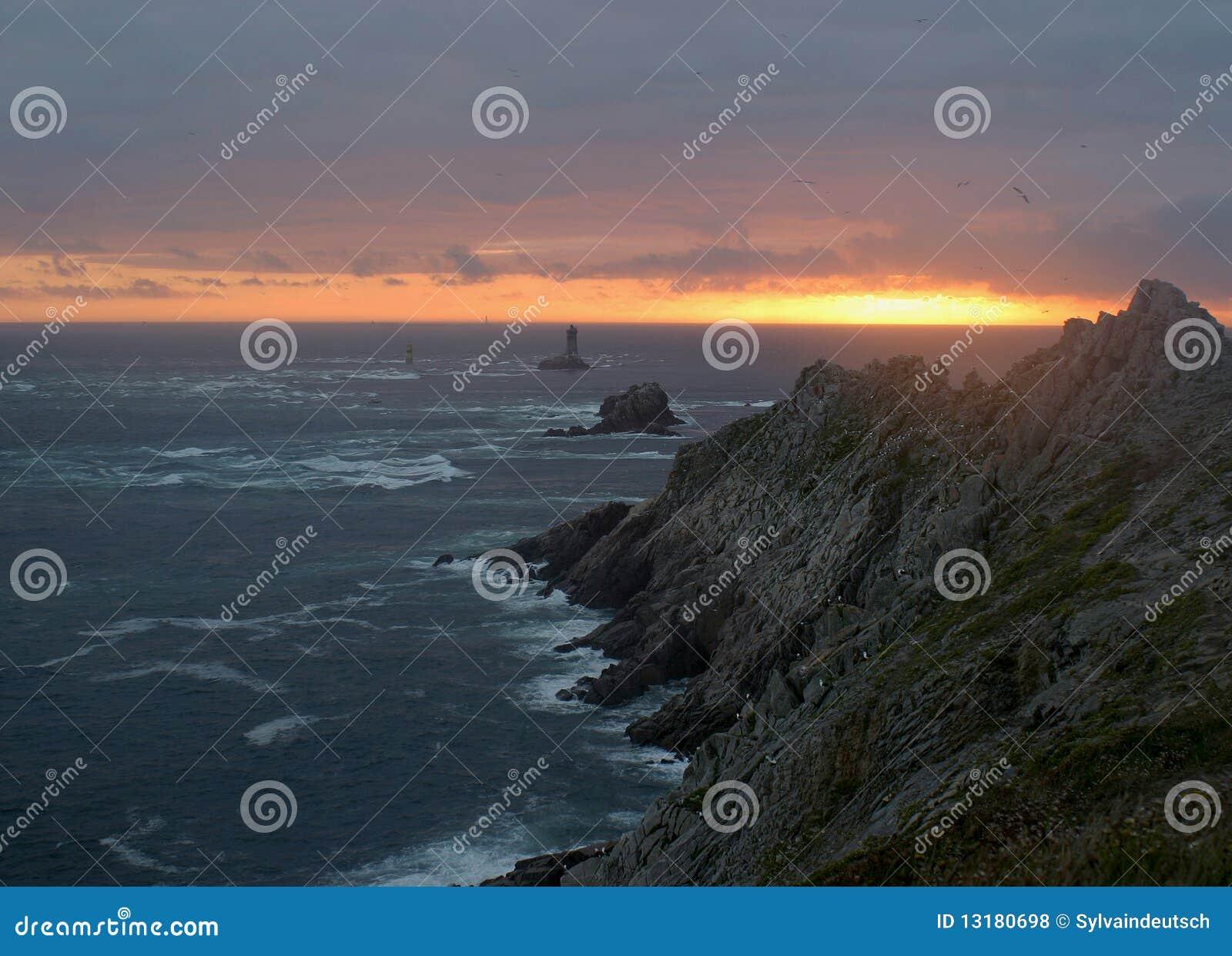 ηλιοβασίλεμα πετρών