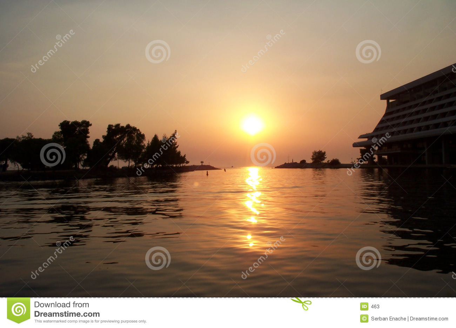 ηλιοβασίλεμα φθινοπώρο&u