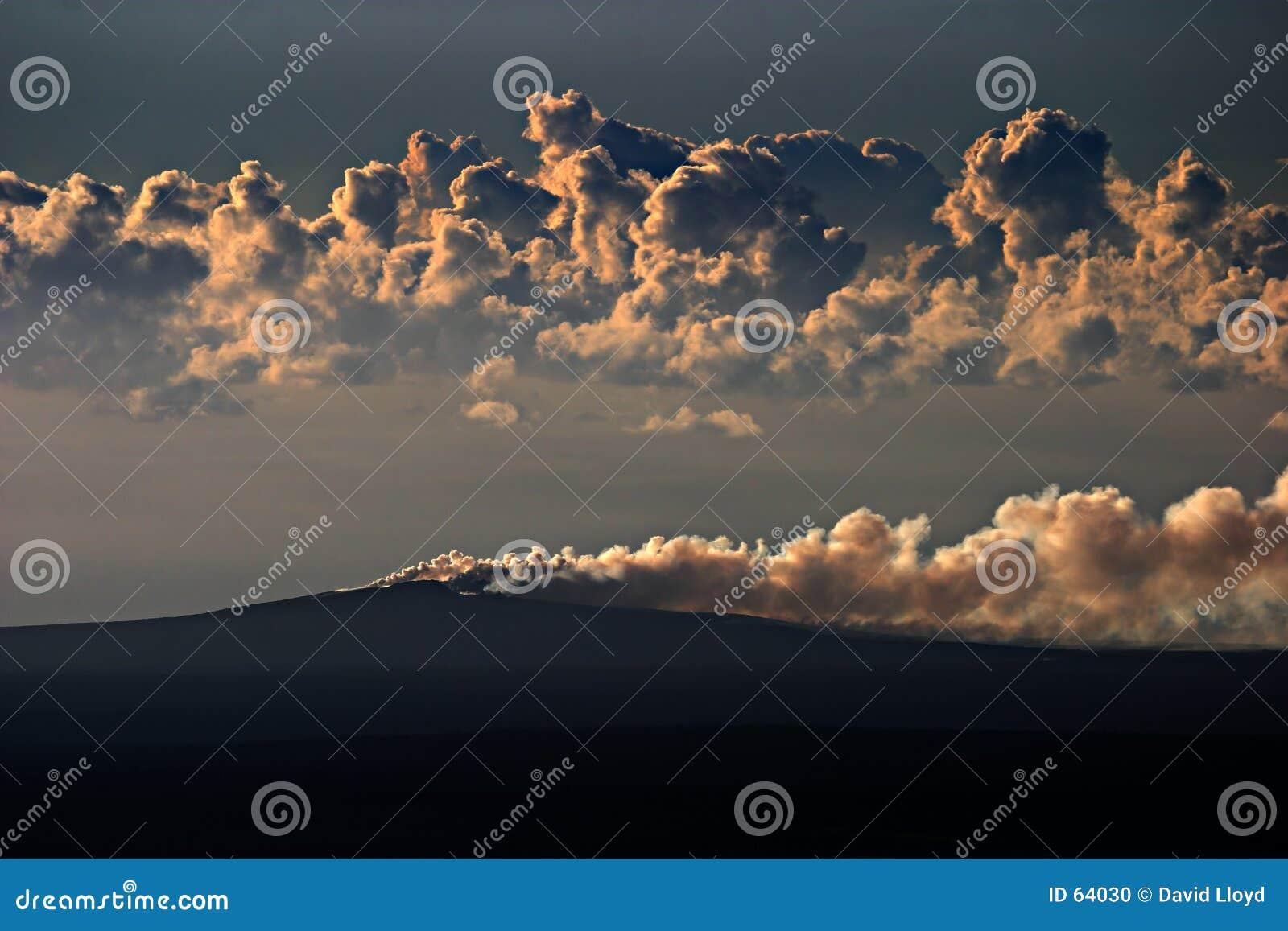 Download ηφαίστειο του u PU ο στοκ εικόνες. εικόνα από ατμός, ηφαίστειο - 64030
