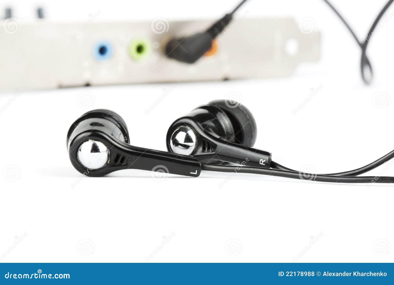 ηχητικά μαύρα ακουστικά κ&alp