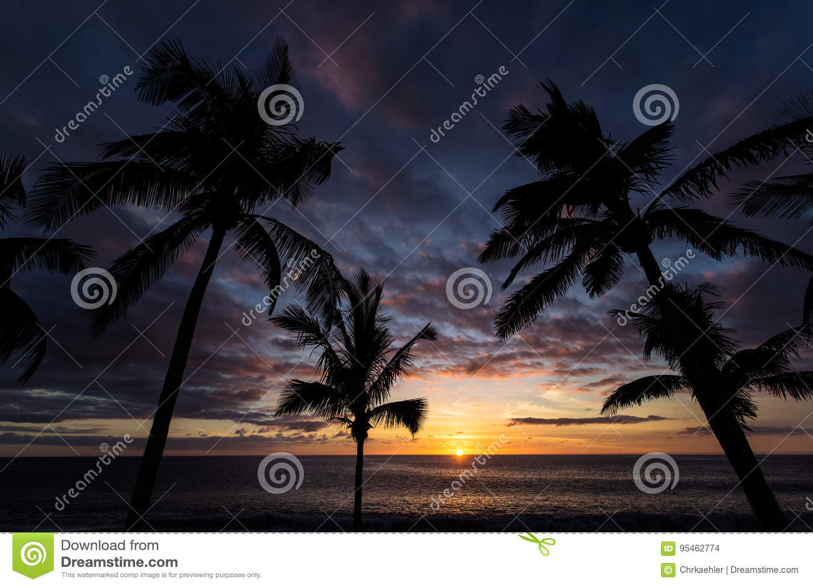 η έκθεση παραλιών αισθάνεται ότι δίνει τα αργά μαλακά κύματα ηλιοβασιλέματος πολύ
