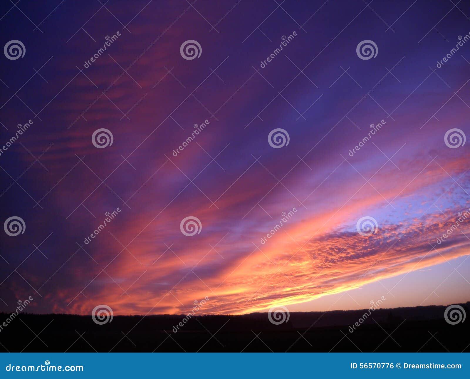 Download Η ανατολή λάμπει στοκ εικόνες. εικόνα από νωρίς, ροζ - 56570776