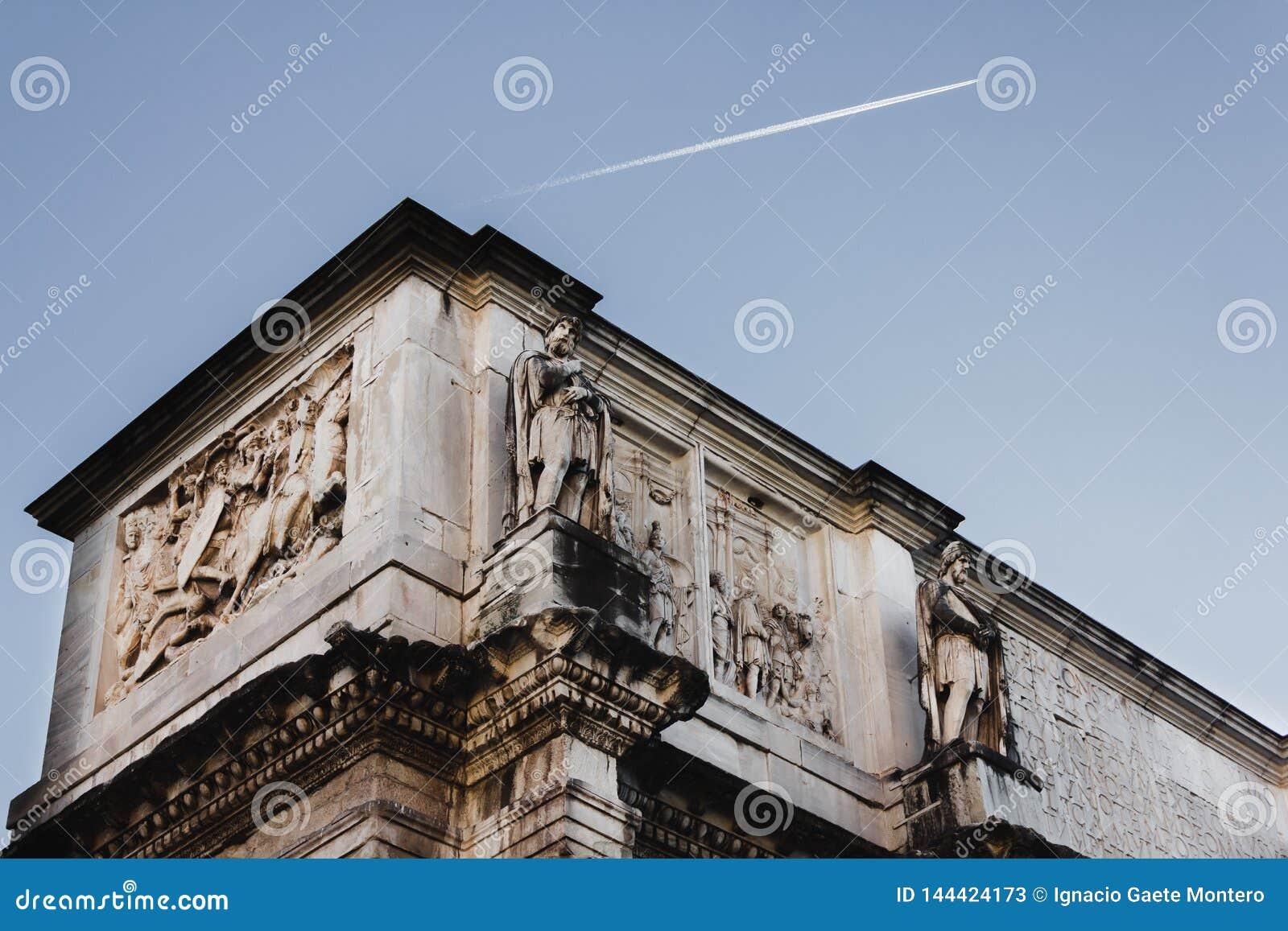 Η αψίδα Constanstine στη Ρώμη, Ιταλία