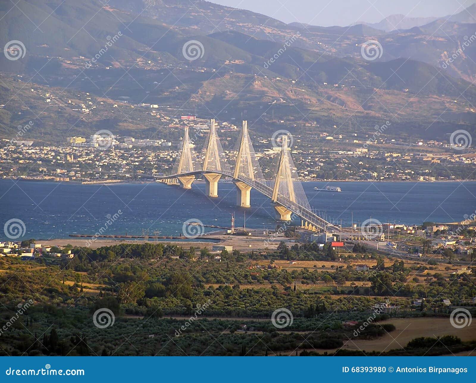 Η γέφυρα 1 αναστολής Ρίο-Αντίρριο
