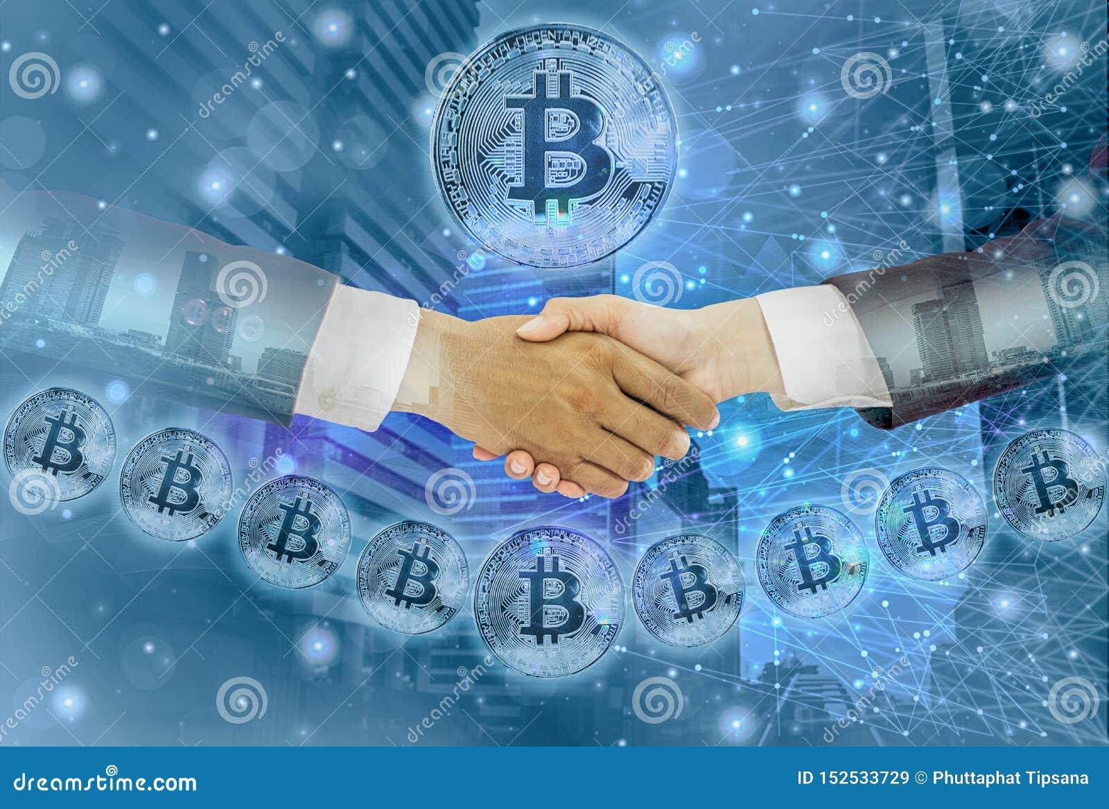 Η διπλή χειραψία έκθεση-επιχειρηματιών με τη επιχειρηματία συμφωνηθείσα διαπραγματεύεται τις εμπορικές συναλλαγές bitcoin, την αφ