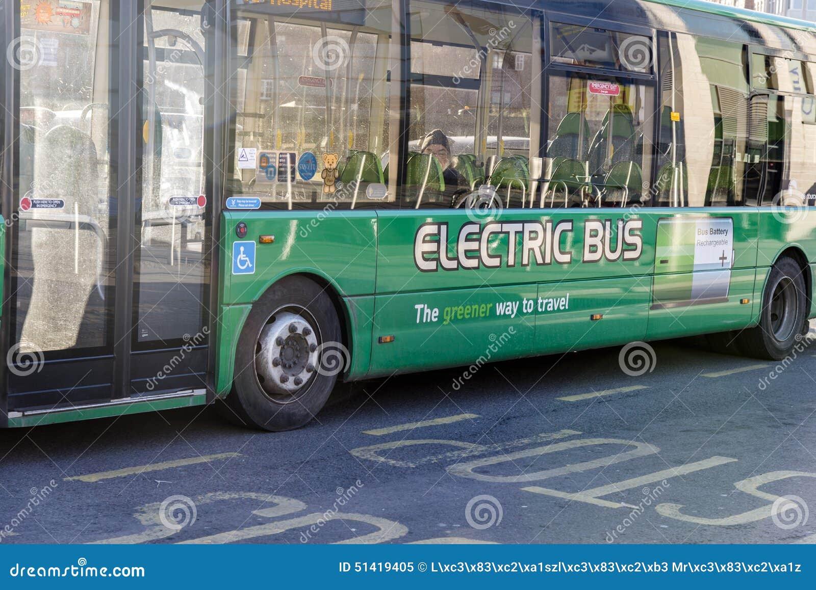 Ηλεκτρικό λεωφορείο με την επαναφορτιζόμενη μπαταρία