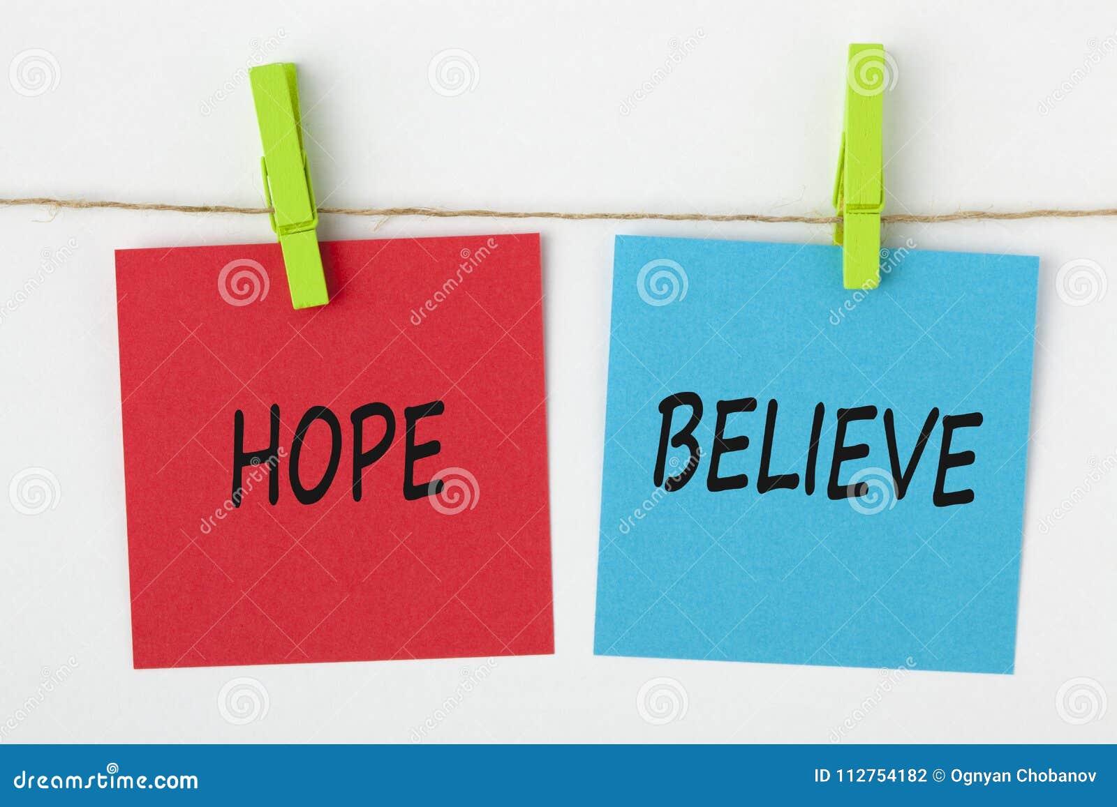 Η ελπίδα και θεωρεί γραπτός στη σημείωση με μια έννοια τσιμπήματος