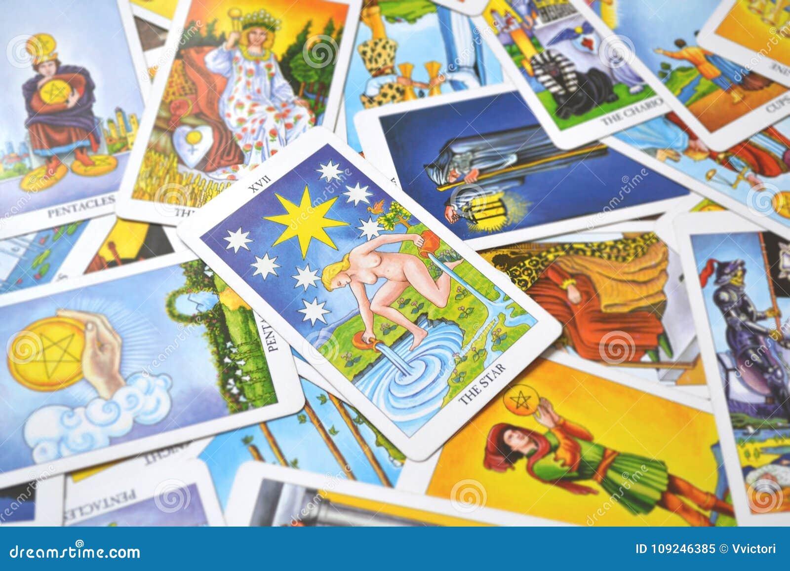 Η ελπίδα καρτών Tarot αστεριών, ευτυχία, ευκαιρίες, αισιοδοξία, ανανέωση, πνευματικότητα