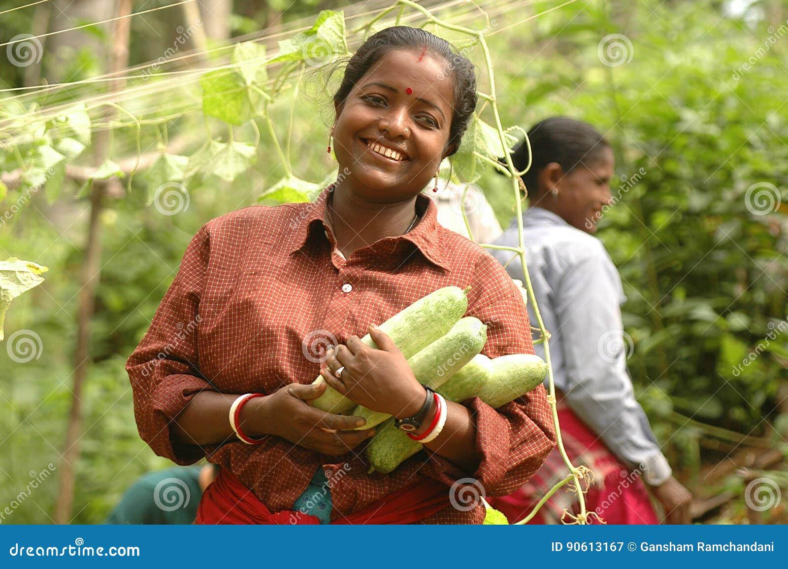 Η ευτυχής Farmer με τη συγκομιδή