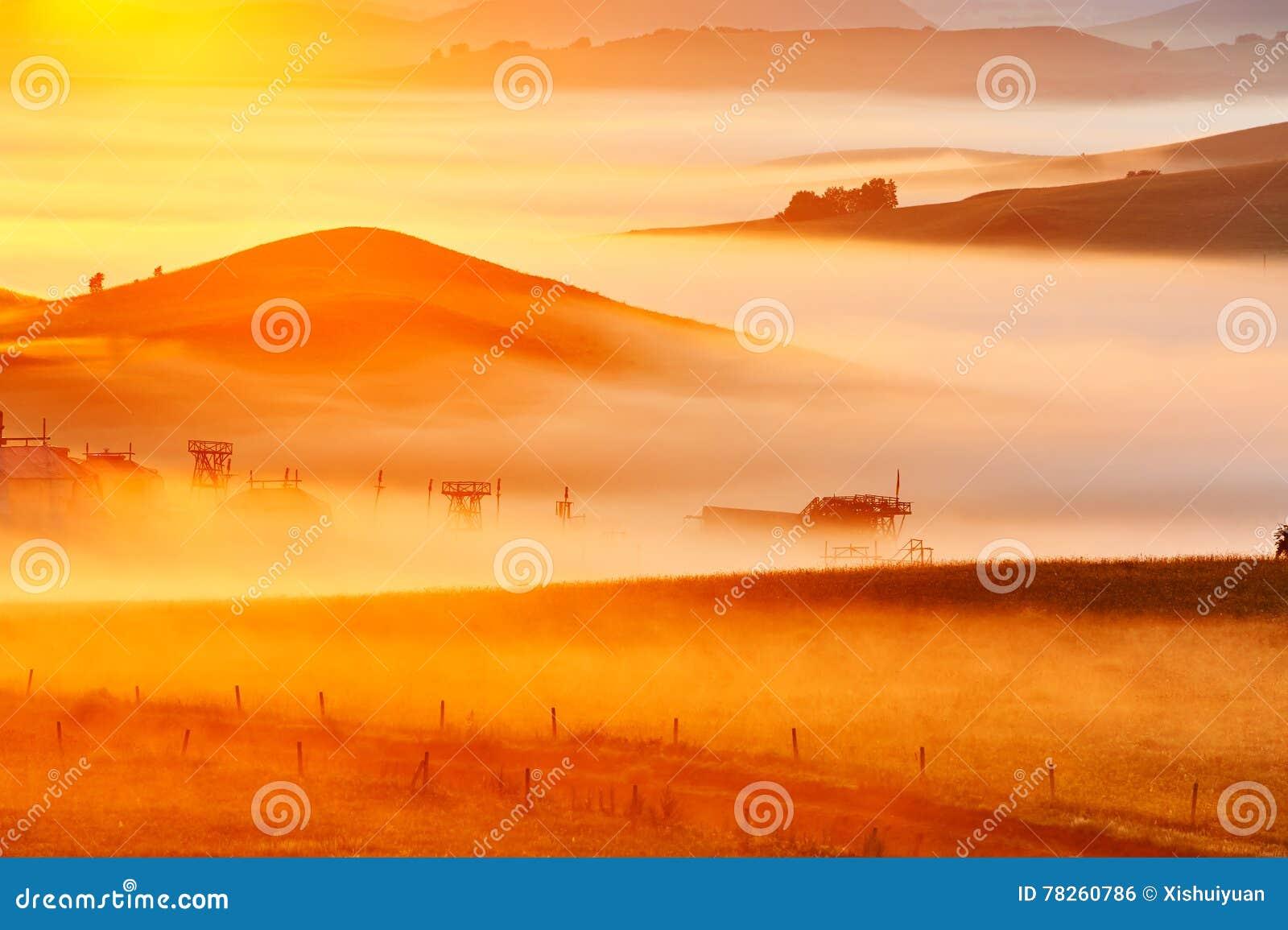 Η θάλασσα των σύννεφων στο λιβάδι