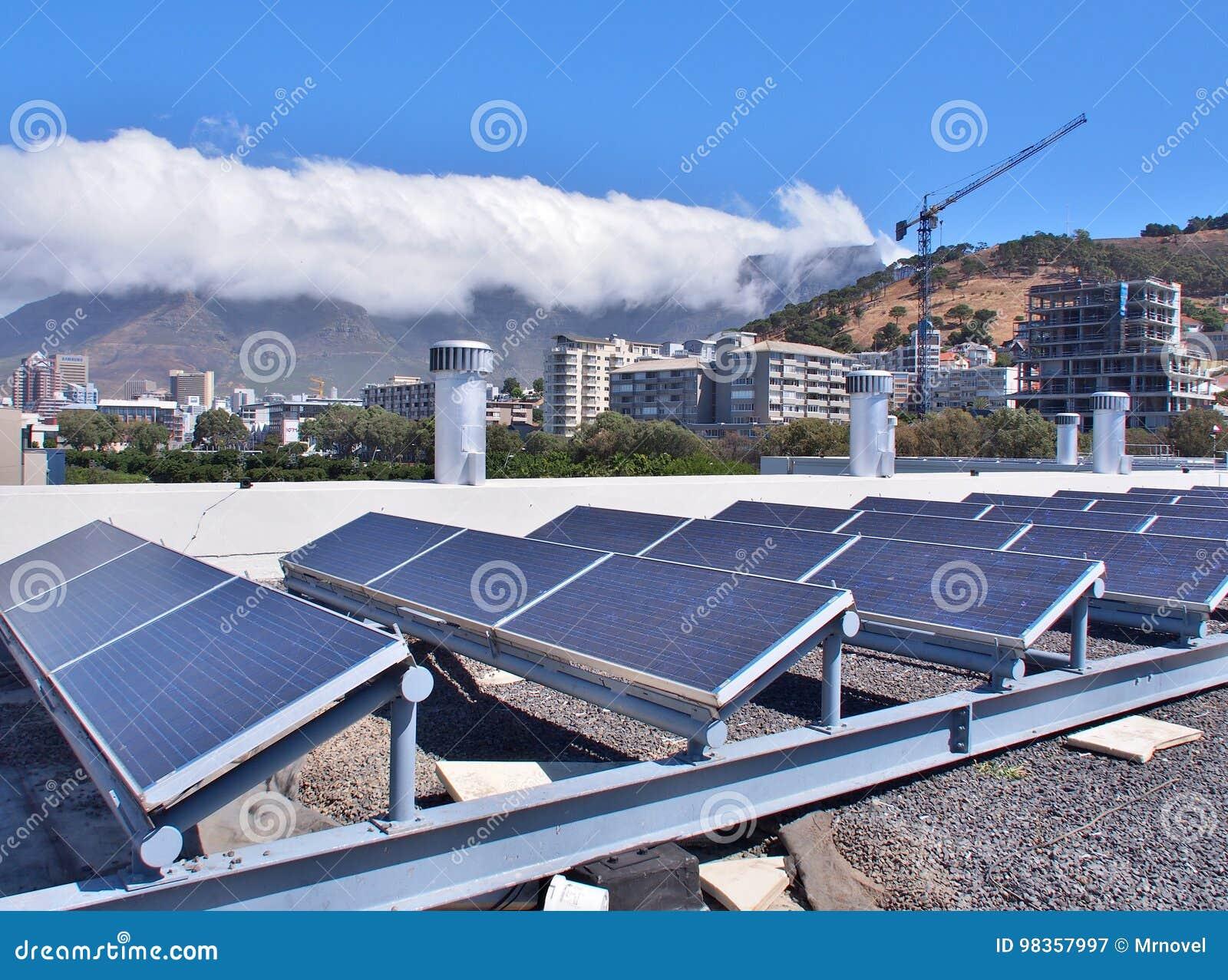 Ηλιακά πλαίσια ή ηλιακά κύτταρα στη στέγη