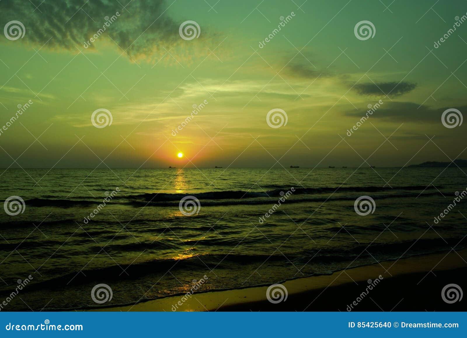 Ηλιοβασίλεμα εν πλω