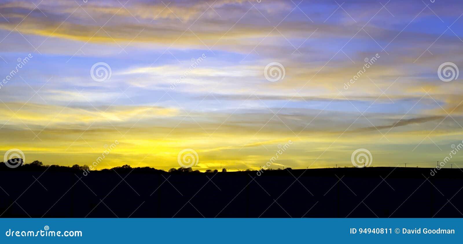 Ηλιοβασίλεμα πέρα από την επαρχία Britsh