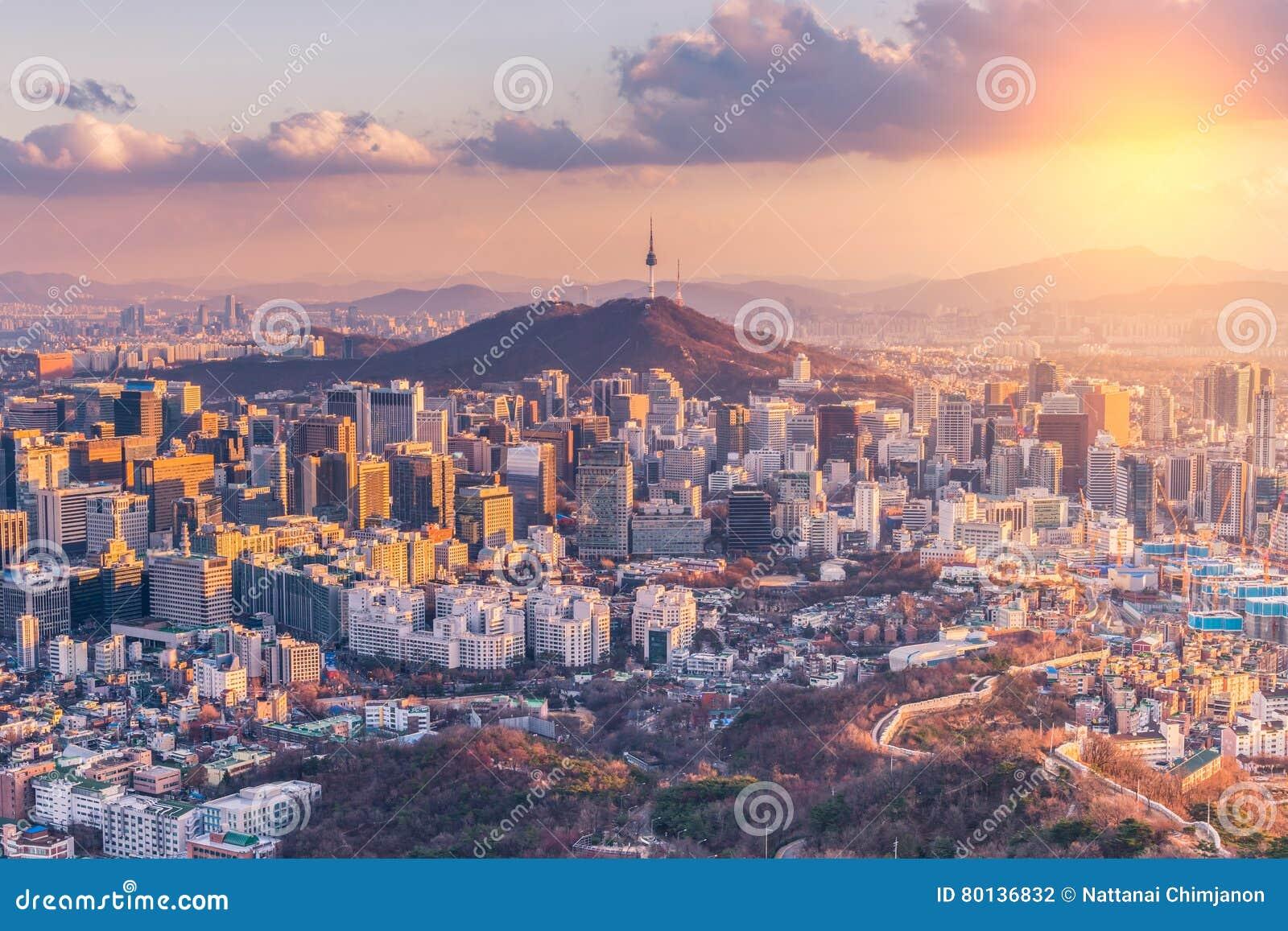 Ηλιοβασίλεμα στον ορίζοντα πόλεων της Σεούλ, Νότια Κορέα