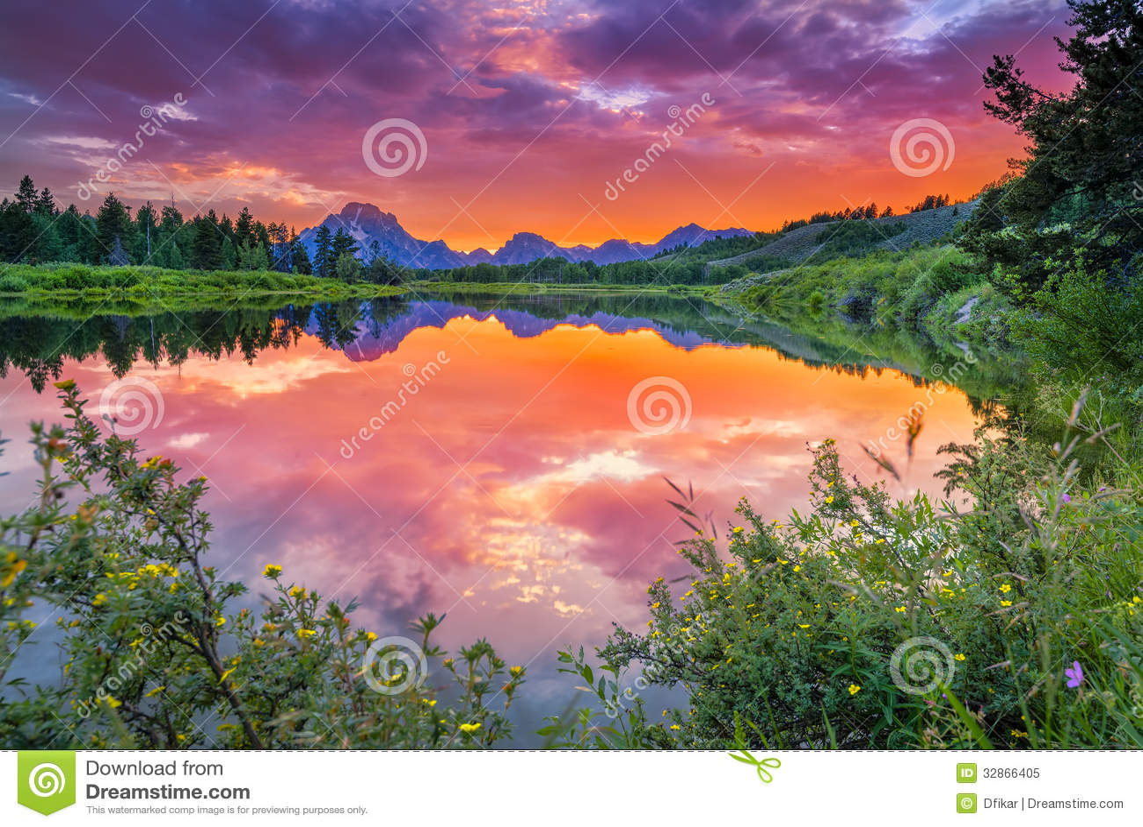 Ηλιοβασίλεμα στον ποταμό φιδιών
