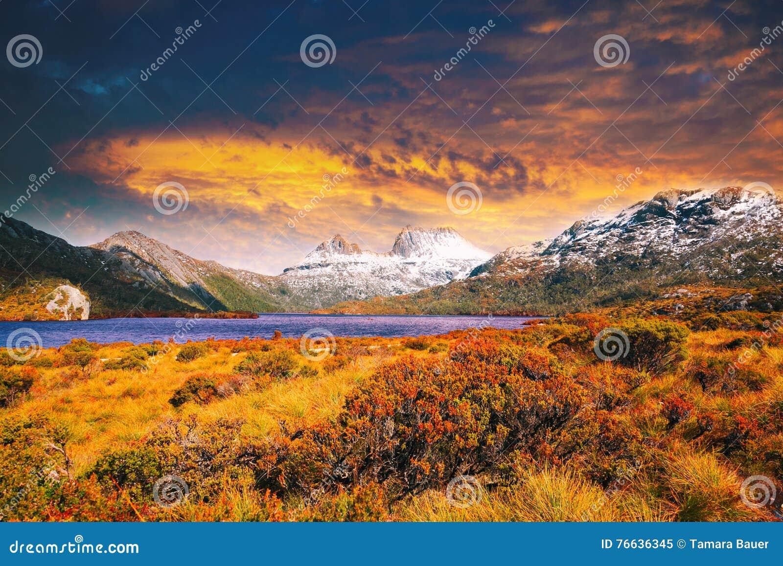 Ηλιοβασίλεμα στο βουνό λίκνων, Τασμανία