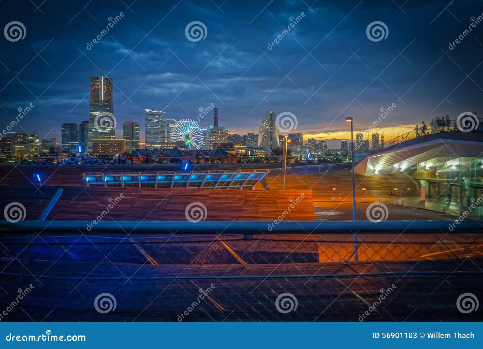Ηλιοβασίλεμα HDR άποψης πόλεων της Ιαπωνίας Yokohama