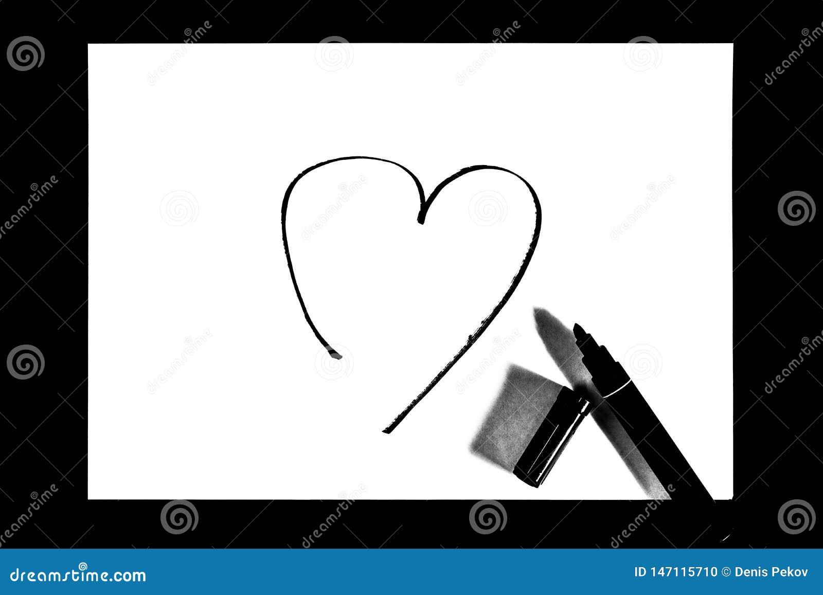 Η καρδιά είναι χρωματισμένη με το δείκτη, γραπτή φωτογραφία