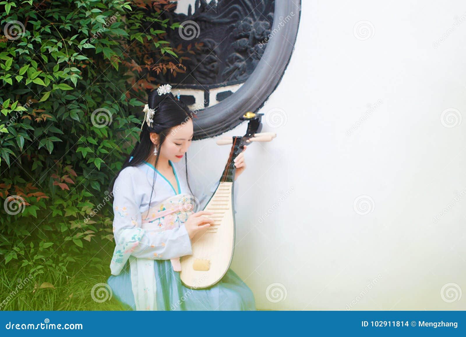 Ασιατικές γυναίκες πίπα