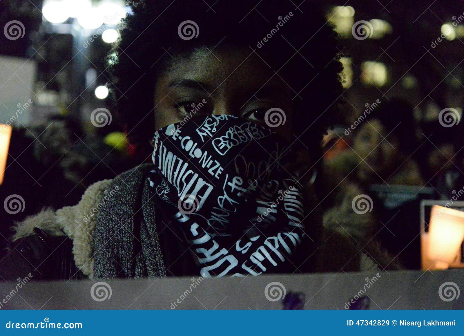 Η μαύρη Κοινότητα του Τορόντου λαμβάνει μέτρα στην αλληλεγγύη με τους διαμαρτυρομένους Ferguson